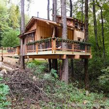 reynolds appalachian christmas treehouse u2014 nelson treehouse