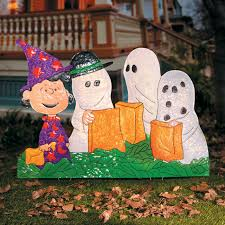 Outdoor Halloween Decor by Peanuts Gang In Halloween Costumes Yard Decor Outdoor Halloween