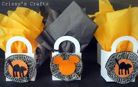 halloween party goody bags crissy u0027s crafts halloween banner not so scary halloween party