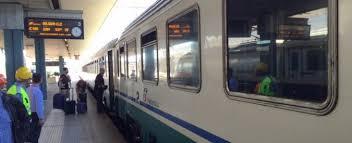 carrozze treni trenitalia caos sugli intercity di pendolari e turisti per