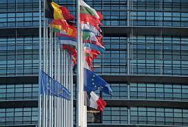 parlement europ n si e non les fonctionnaires européens ne touchent pas 9 000 euros de