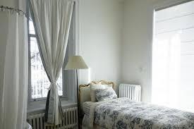 une chambre a coucher choisir des rideaux pour une chambre à coucher