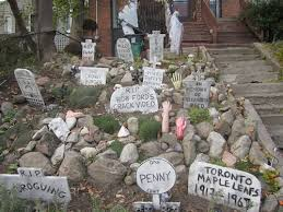 Funny Halloween Outdoor Decorations by 23 Decorated Houses From People Winning At Halloween Smosh