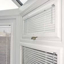 Venetian Blinds Fitting Service Venetian Blinds For Your Office And Commercial Buildings