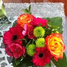 canada flowers canada flowers florists 1 45 brisbane rd toronto on phone