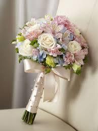 bouquet for wedding best 25 alstroemeria wedding bouquet ideas on
