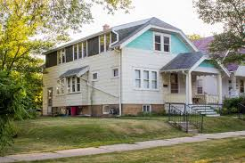 1 Bedroom Apartments In Milwaukee by Two 2 Bedroom Apartments In The Same Duplex 2 Bhk Apartments And