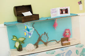 How To Make Fish Tank Decorations At Home Under The Sea Decorations Ideas Mermaid Party