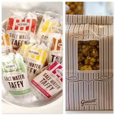 salt water taffy wedding favor let me do you a favor top creative favors for guests
