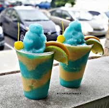 blue margarita blue mango margarita tipsybartender com