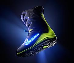 light up snowboard boots nike glowing snowboard boot i don t like the yellow with it