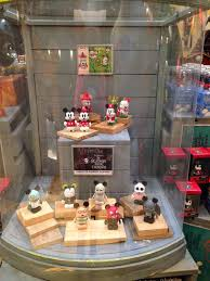 vinylmation isle store update d street at downtown disney orlando