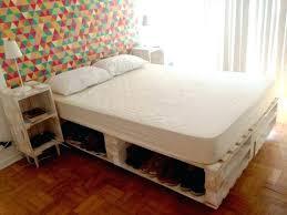 comment faire une chambre d ado comment fabriquer un lit en palette comment faire une chambre d ado