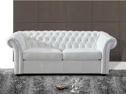 canapé cuir blanc pas cher le canapé chesterfield blanc diy relooking mobilier créer ma déco