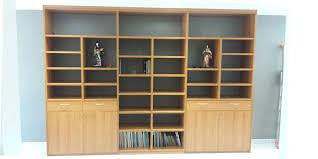 bureau dans un placard bibliothèque bureau placard dressing 77