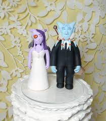 oh etsy the 17 weirdest wedding cake toppers ever brit co