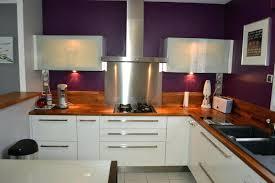 cuisine blanche plan de travail bois plan travail cuisine bois cuisine contemporaine blanche mat plan de
