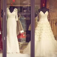 wedding dress guide ultimate guide to wedding dress shopping gourmet wedding gifts