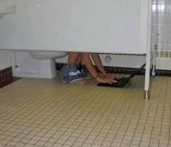 Bathroom Stall Meme - 34 bathroom fails that can t be unseen team jimmy joe