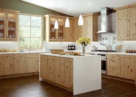 Canyon Creeks Trio Door Style In Rustic Maple Is Paired With - Rustic pine kitchen cabinets