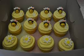 bumble bee cupcakes baby shower bumble bee cupcakes my three baby cakes