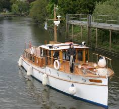river thames boat brokers the river thames guide boats for sale boat brokers st joan