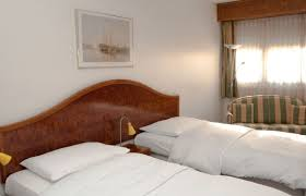 chambre de commerce vendee hostellerie de la vendee petit lancy lancy hotel info