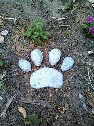 memorial stones for dogs https www etsy listing 109466330 stepping paw print