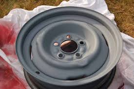 spray paint your vintage trailer wheels from oldtrailer com