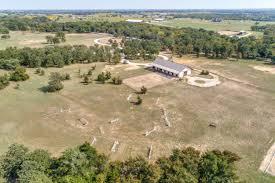 coming soon 32 acres with beautiful barndominium tioga tx