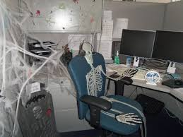 How To Decorate Your Cubicle For Halloween 31 Best Office Fall Halloween Decorations Images On Pinterest