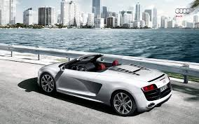 Audi R8 White And Black - audi stuns new york with its latest open top supercar audi r8 spyder