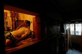 inside hong kong u0027s 20 square foot u0027coffin homes u0027 business insider