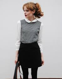 black sweater with white collar cosette munch tucktick les adultes de la terre