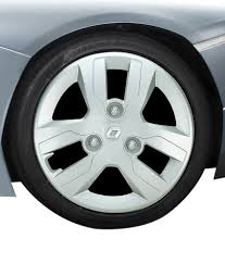 renault kwid silver colour premium wheel cover for renault kwid buy premium wheel cover for