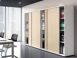 armoire bureau porte coulissante armoires et caissons mélaminés armoires coulissantes i bureau