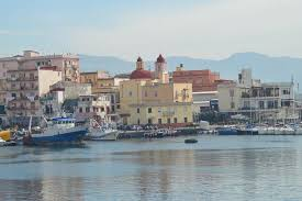 torre greco porto porto con la chiesa di porto salvo foto di porto di torre