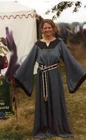 norman dresses 12th century scotland clothing iseabail middle age scotland