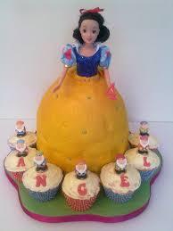 children snow white u0026 seven dwarfs cake