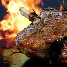 cuisiner l agneau recette d épaule et gigot d agneau à la broche tom press