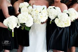 cost of wedding flowers how much wedding flowers really cost 12 ways to save big