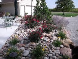 Desert Rock Garden Ideas And Artistic Garden With River Rock Garden Ideas