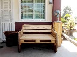Wooden Pallet Bench Diy Pallet And Spool Bench Pallet Furniture Diy