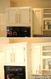 How To Install Kitchen Cabinets Crown Molding by Best 25 Kitchen Cabinet Molding Ideas On Pinterest Updating