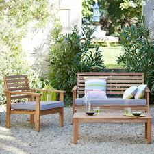 petit salon de jardin pour terrasse la terrasse accueille un joli salon de jardin familial