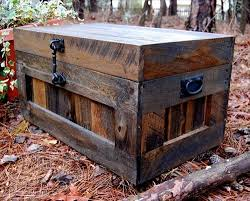 Diy Wooden Toy Box Plans by Wooden Pallet Trunk Ideas Diy Pallets Designs