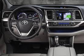 reviews toyota highlander 2015 2015 toyota highlander car review autotrader