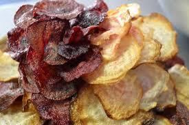 cuisiner des betteraves rouges recette chips de betterave chioggia et betterave recette