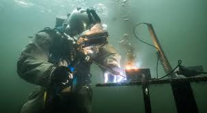 underwater welding school career salary