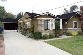craftsman style home turn the garage to the side 13 stucco details craftsman house stucco colors wood beams